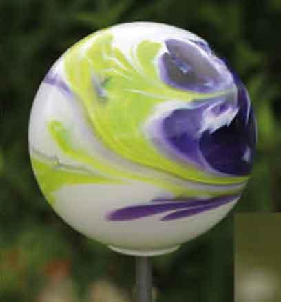 Glas Kugel 15 cm auf Stab mundgeblasen (10100flieder)