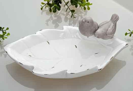 Vogeltränke Keramik Blatt weiß mit Dekovögeln (G32621)